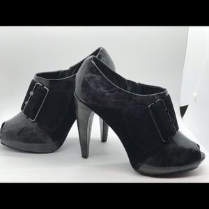 Bakers black peep toe bootie Andi size 8.5